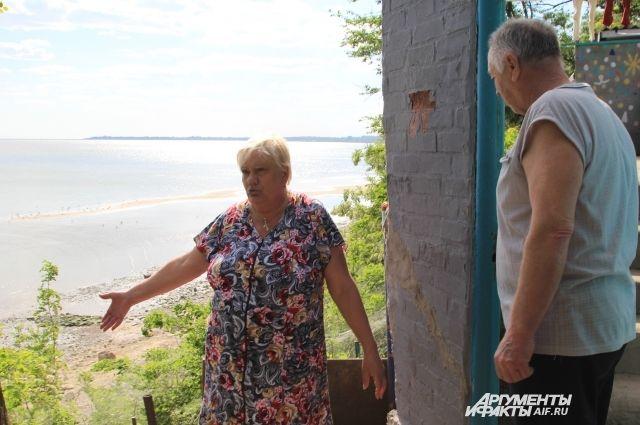 Дома жителей Таганрога у береговой полосы находятся в опасности.