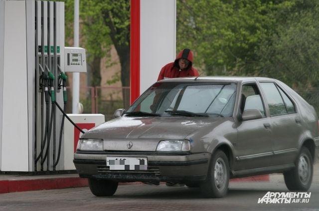 В УФАС говорят, что жалобы на рост цен на бензин не носят массового характера.