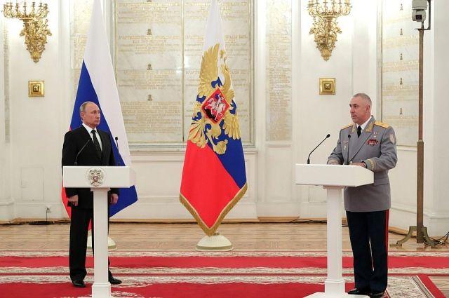 Генерал Мурадов доложил Владимиру Путину об успехах 2-й общевойсковой армии.