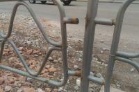Это забор на улице Кецховели, который также был поставлен в прошлом году.