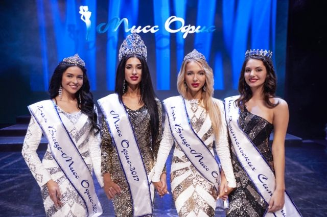 Одна из девушек получит 2 млн руб., но и остальные финалистки без подарков не останутся.