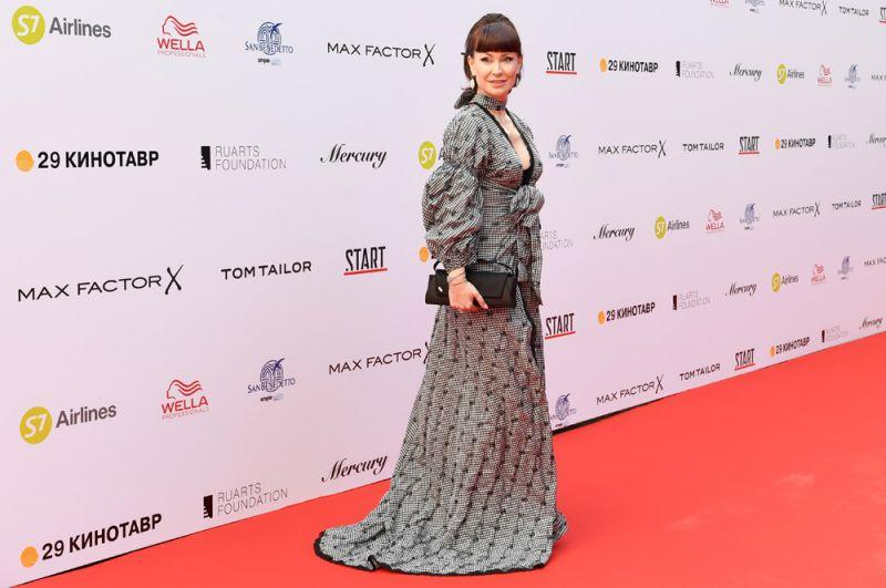 Актриса Нонна Гришаева нацеремонии открытия 29-го российского фестиваля «Кинотавр».