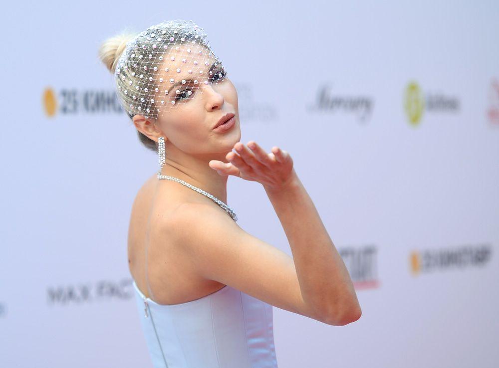 Актриса Наталья Бардо на церемонии открытия 29-го российского фестиваля «Кинотавр».