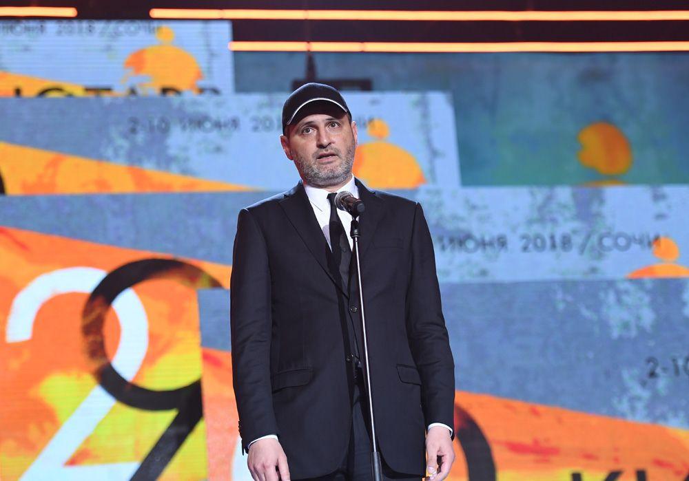 Председатель жюри основного конкурса, режиссёр Алексей Попогребский нацеремонии открытия 29-го российского фестиваля «Кинотавр».