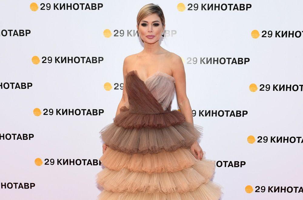 Дизайнер Белла Потемкина нацеремонии открытия 29-го российского фестиваля «Кинотавр».