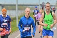 Евгений Мянт начал бегать вместе с коллегами.