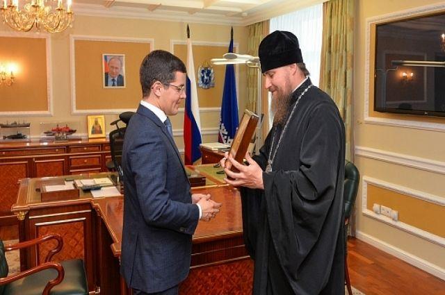 Дмитрий Артюхов и владыка Николай обсудили тенденции духовного развития