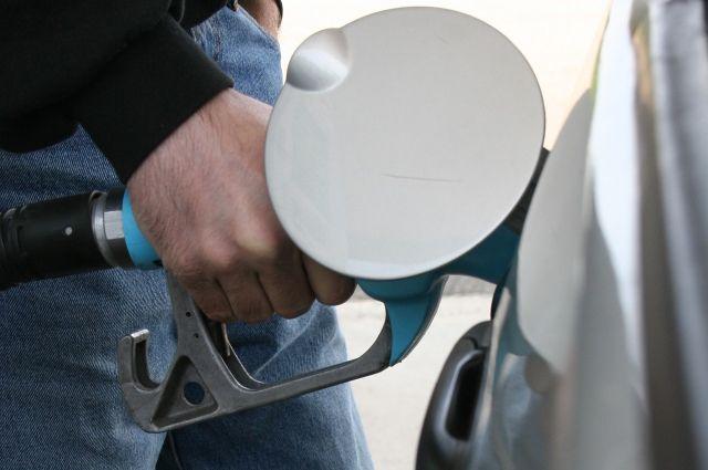 Цены на топливо продолжают расти.