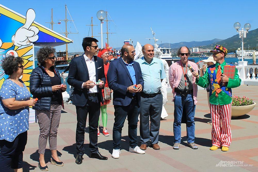 Иностранные гости курорта из Франции и Кипра приняли участие в конкурсе.