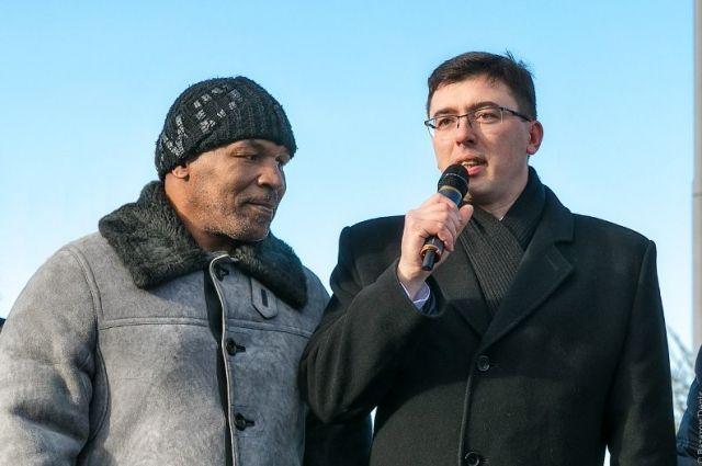 Ярослав Писарев часто работает со знаменитыми спортсменами.