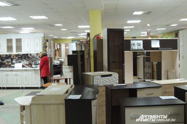 В Оренбурге Мебельный базар на ул.Юркина по-прежнему закрыт.