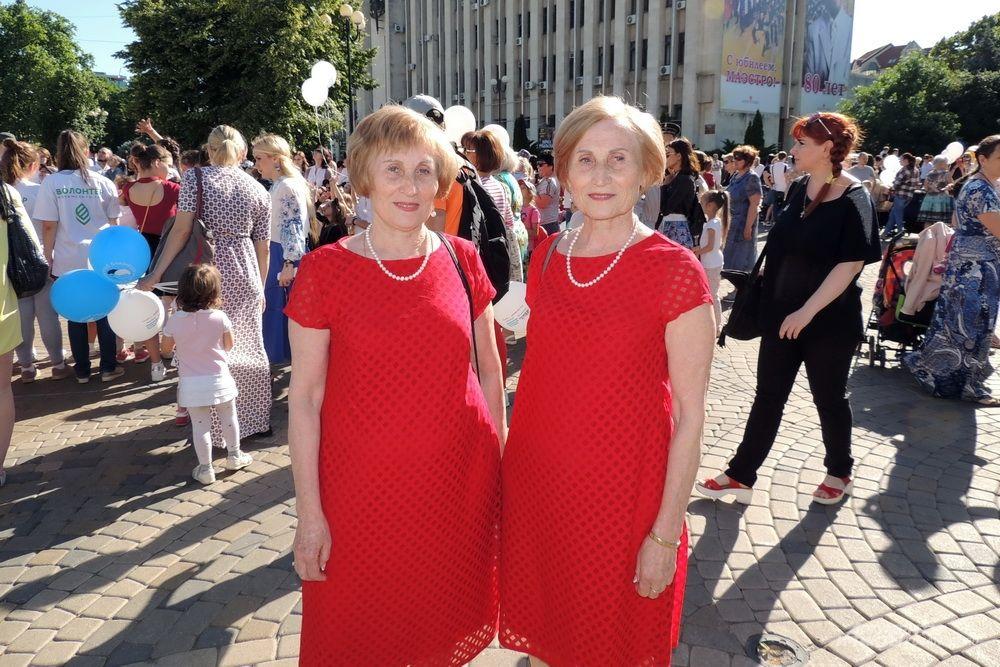 Сестры Татьяна Трехсвятская и Наталья Колосова.