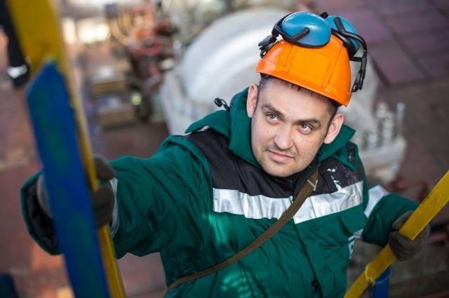 Контроль соблюдения правил безопасности на рабочем месте, качественная спецодежда и внимательное отношение к здоровью персонала - вот основные принципы организации трудового процесса в КАО «Азот».