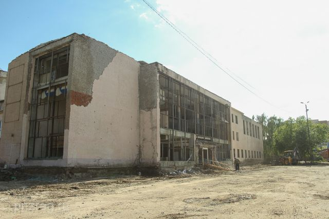 На реконструкцию заложено 100 млн. рублей.
