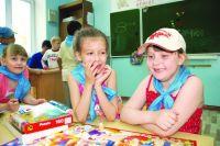 В пришкольном лагере детям всегда есть чем заняться.