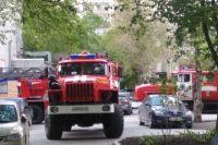 В Тюмени из-за сгоревшей еды к дому приехали четыре пожарных расчета