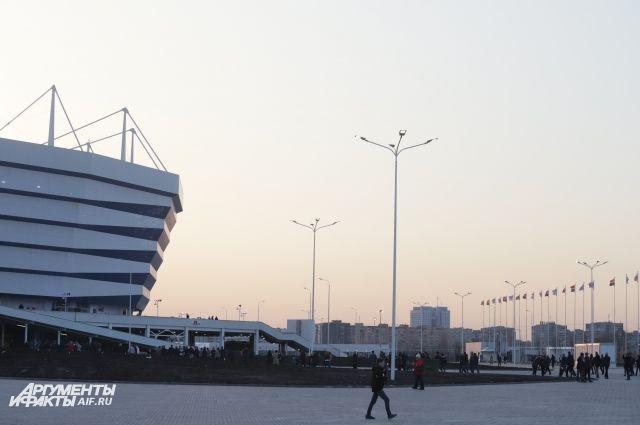 Около «Стадиона Калининград» установили комплексы с «тревожными кнопками».