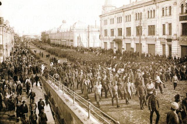 7 июня 1918 года легионеры чехословацкого корпуса в центре Омска.