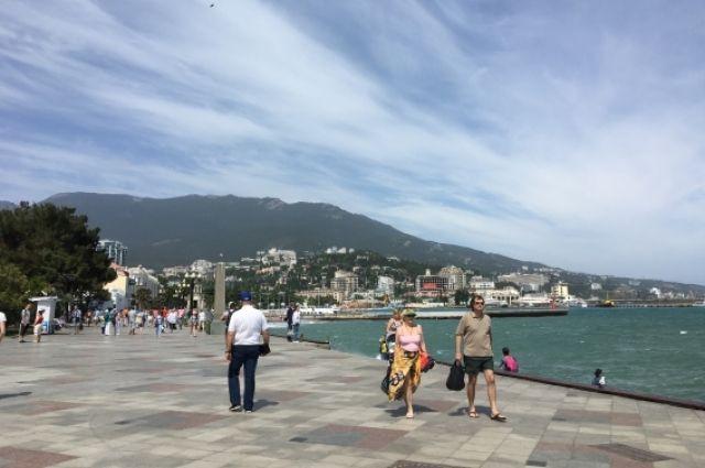 Отдых в Крыму становится популярней заграничного.