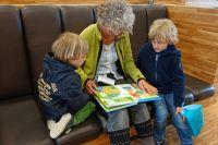 Волонтеры помогут присмотреть за детьми