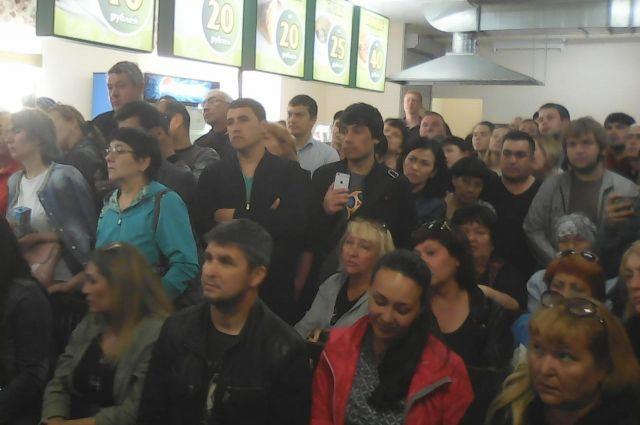 В ТЦ Порт проходит встреча Тимура Нагуманова с предпринимателями.