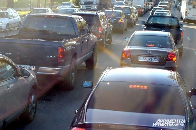 Водители предупреждают о пробке на въезде в Калининград из-за ремонта.