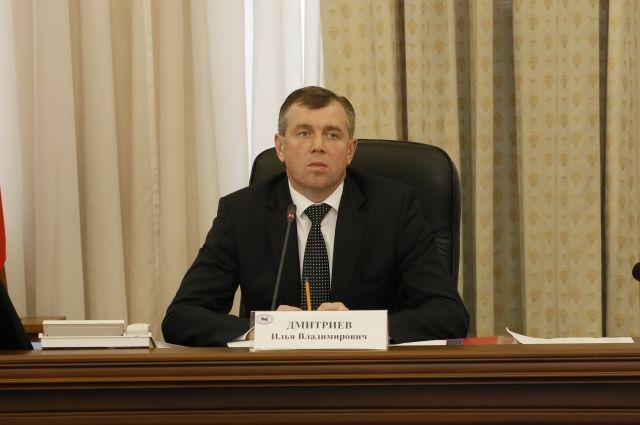 Члены нового состава комиссии проголосовали за Илью Дмитриева единогласно.