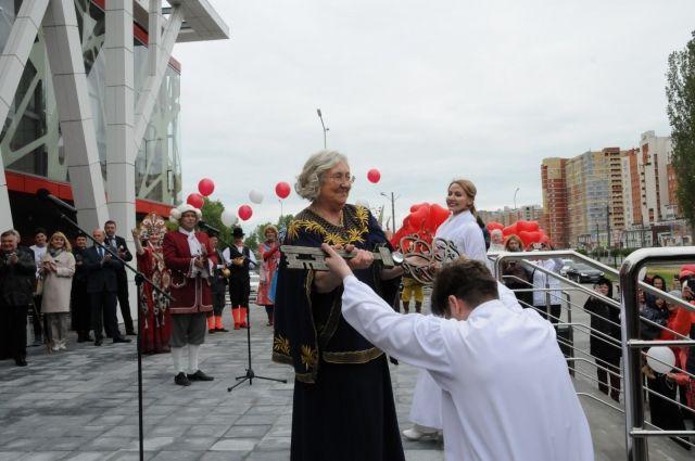 «Теперь у нас совсем другие возможности!» - радуется новоселью художественный руководитель театра Вера Горшкова.