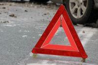 Серьезное ДТП в Киеве: авто вылетело с проспекта в парк, есть пострадавшие