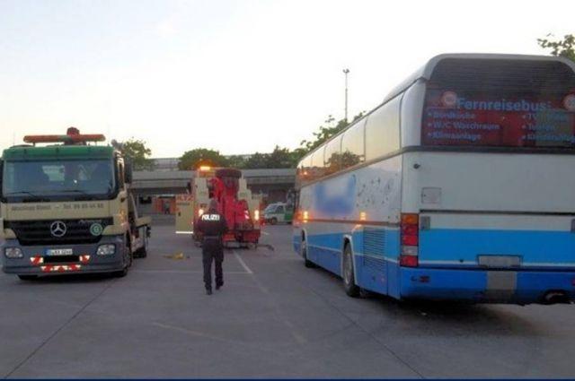 Полиция Берлина задержала еще один неисправный автобус из Калининграда.