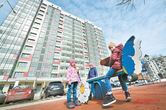 В Надыме строят самую большую игровую площадку в городе