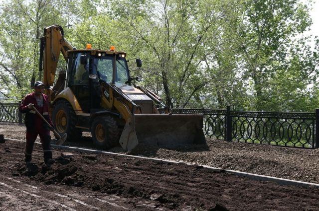 В Кемерове продолжают реконструировать набережную Томи в Кировском районе.