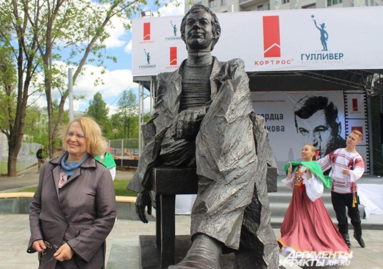 Валентина Талызина вспоминает, что Бурков тонко чувствовал людей