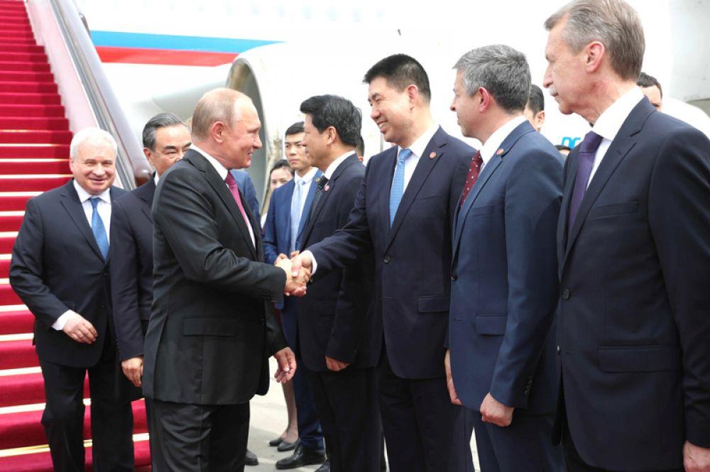 Президент РФ Владимир Путин в аэропорту «Шоуду».