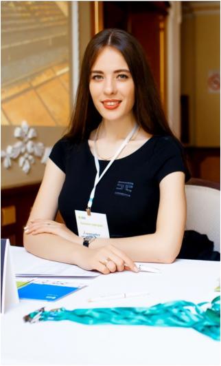 Анастасия Корчагина, менеджер по продажам.