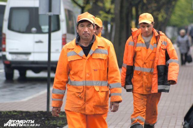 В Калининграде из-за ЧМ запретили выдачу разрешений на работу иностранцам.