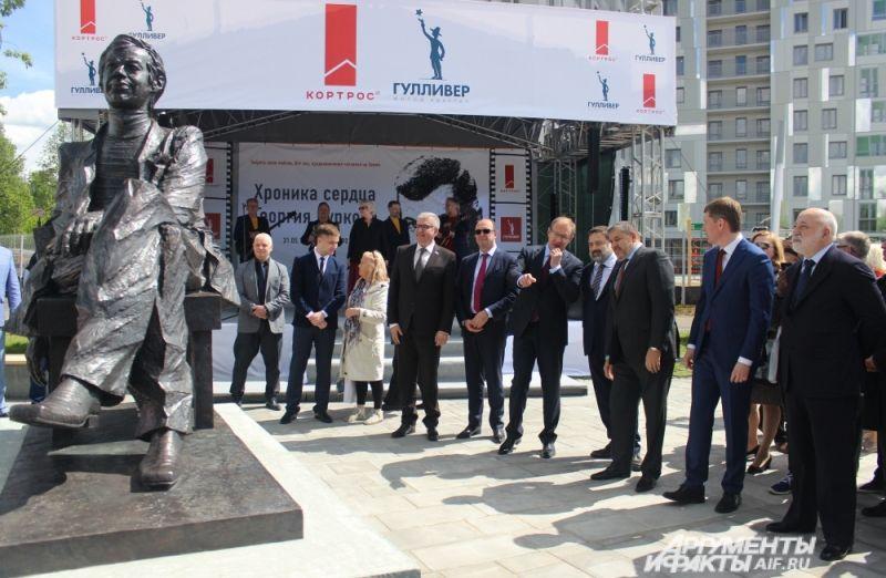 Памятник Георгию Буркову - единственный в России