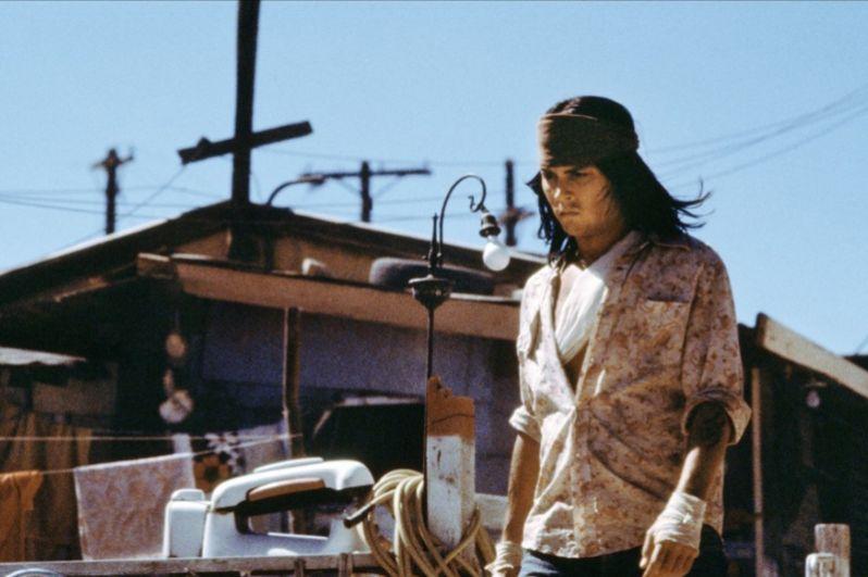 Не самым удачным оказался режиссерский дебют Джонни Деппа. Фильм «Храбрец» (1997), где он также сыграл главную роль, получил всего 33% положительных отзывов на сайте- агрегаторе кинорецензий Rotten Tomatoes.
