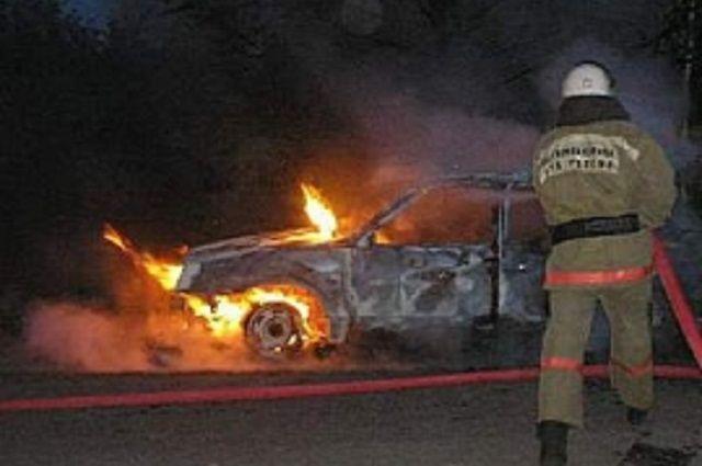 Машина выгорела до основания.