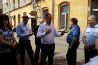 Мэр Кемерова сообщил, почему в «сталинке» на Островского появились трещины.
