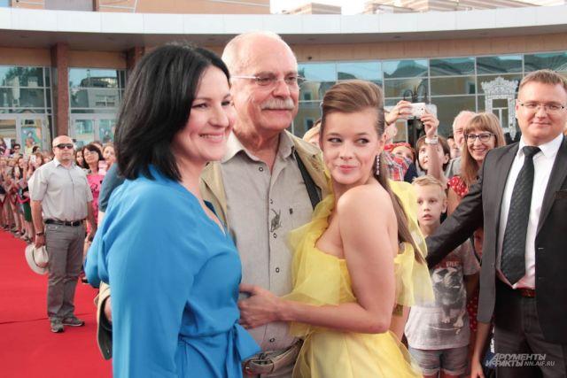 Агния Кузнецова, Никита Михалков и Екатерина Шпица на первом фестивале «Горький fest».