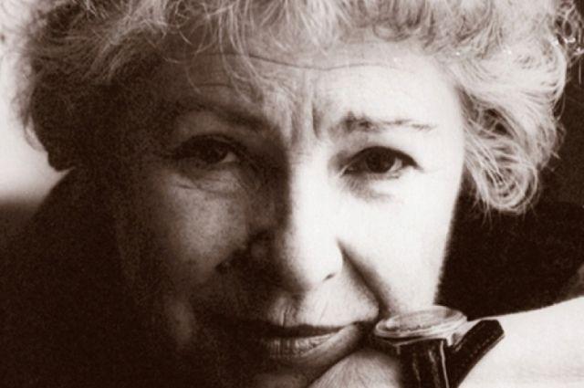 9 июня 2018 года исполняется 95 лет со дня рождения заслуженной артистки России.