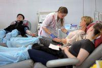 Доноры сдают кровь в Центре крови Федерального медико-биологического агентства (ФМБА) в Москве.