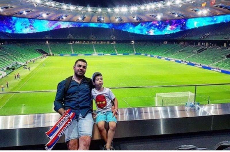 Как не сфотографироваться на знаменитом стадионе ФК