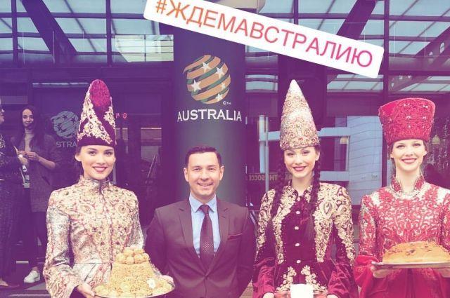 Сборную встречал министр спорта Татарстана Владимир Леонов