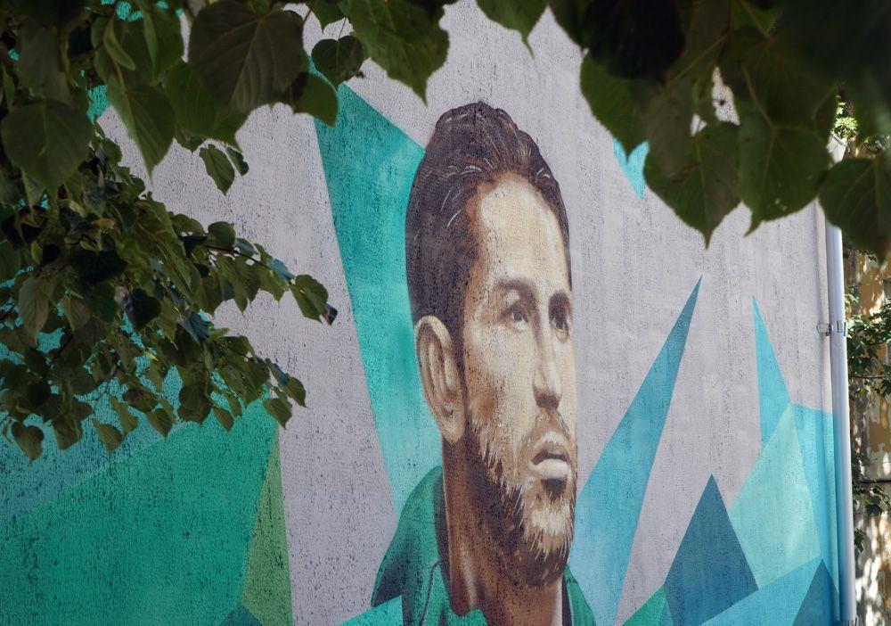 Граффити с изображением игрока сборной Испании Серхио Рамоса, посвященное чемпионату мира по футболу ФИФА-2018 в Калининграде.