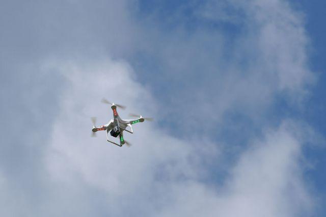 Квадрокоптер и запрещенные предметы были переданы на хранение в отдел безопасности тюрьмы.