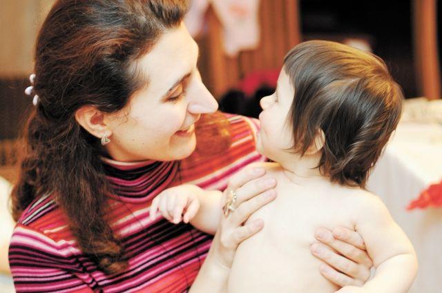 Семьи Тюменской области получают поддержку социального бюро
