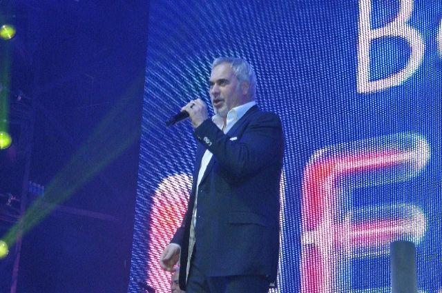 На свадьбе бывшего амкаровца перед гостями спел Валерий Меладзе.
