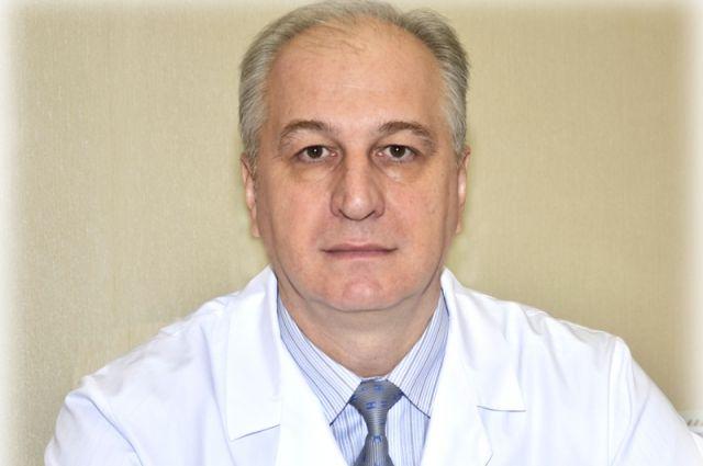 Главный врач оренбургского областного противотуберкулезного диспансера подозревается во взятке.